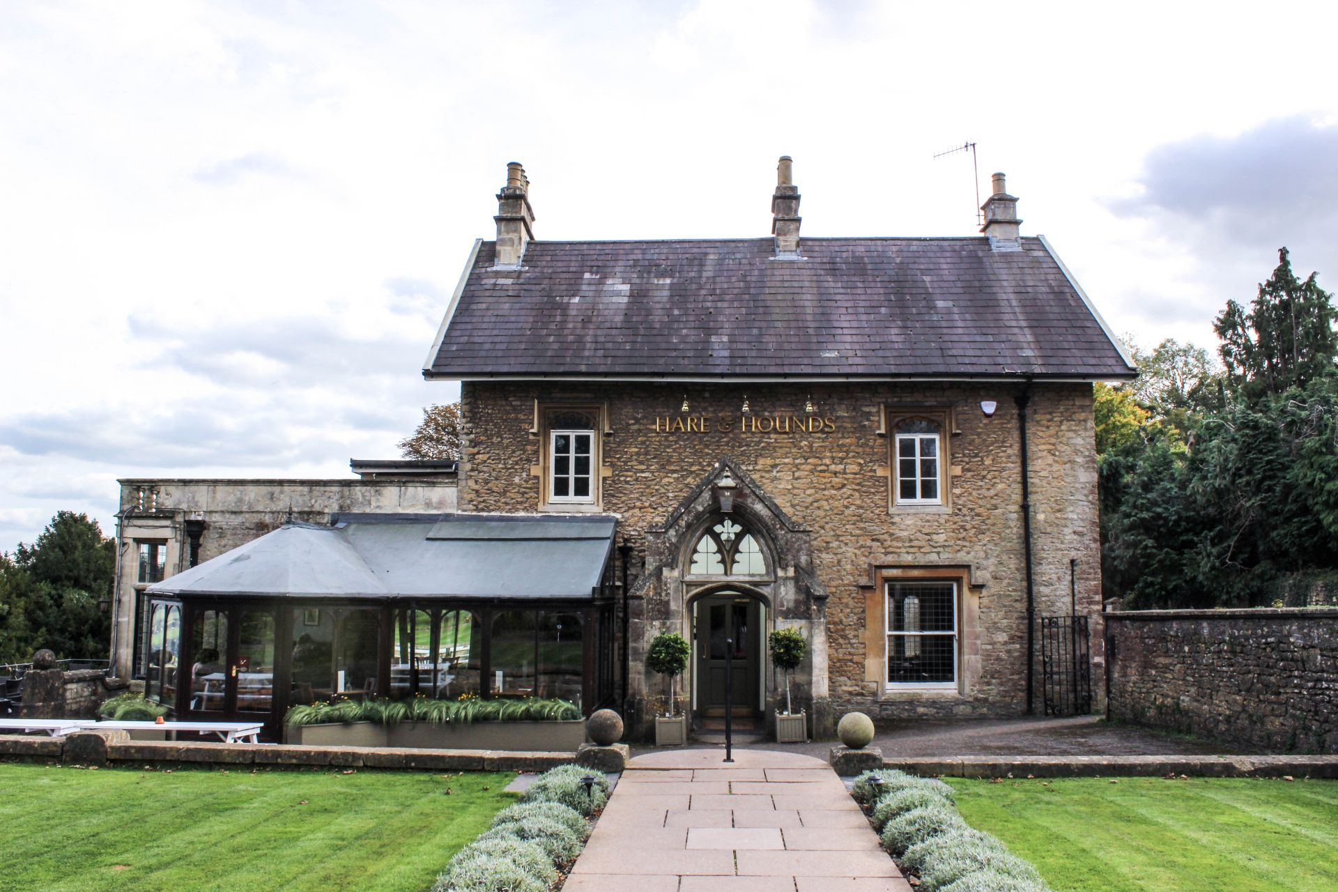 the hare and hounds bath, review